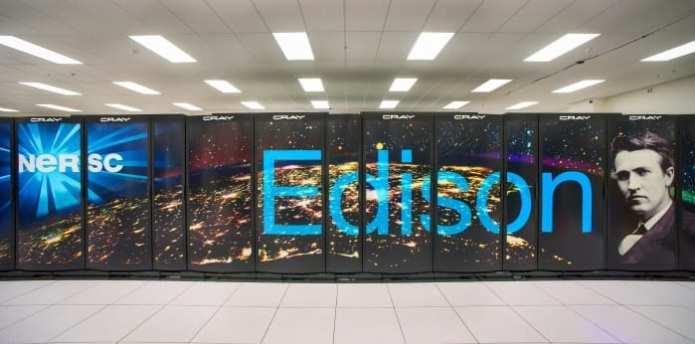 resizedimage700346-Edison-head-on