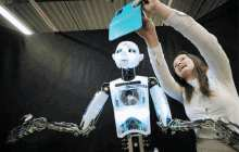 New smart robot accelerates cancer research