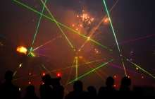 A more cost-effective laser design that outputs multi-color lasing
