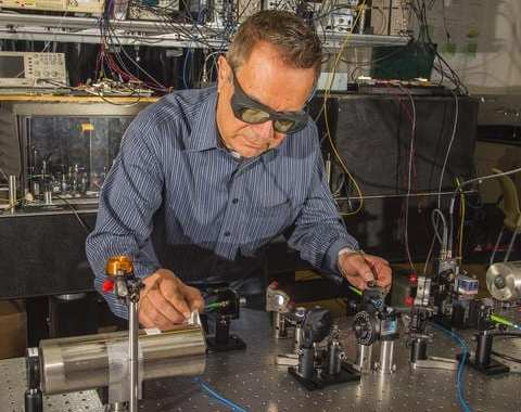 Communicating via quantum radio in difficult places