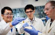 Using sunlight to convert plastic waste into useful chemicals