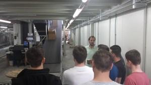 IT-Leiter B. Wagner erläutert die Logistik-Prozesse bei Fahrrad.de