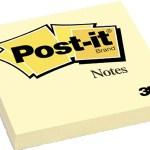 Le Post-it de 3M ne colle pas très bien mais suffisamment pour que le papier tienne sur son support et s'enlève sans laisser de trace.