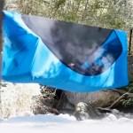 La tente Haven-tents est groupée à un hamac. Elle protège ainsi l'usager du sol = confort et sécurité.