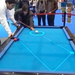 Le système de réalité augmenté Pool Live Aid aide le joueur de billard à définir la bonne trajectoire de sa boule.