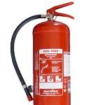 L'extincteur génère de la mousse qui en se déposant empêche l'air d'alimenter le feu et prévient des risques de ré-inflammation.