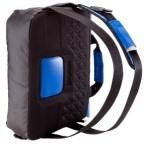 La sac Backenger de la marque Newfeel se transforme en besace ou en sac à dos à des moments différents de la journée.