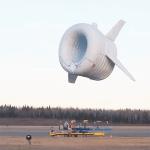 Le concept Altaeros compense la masse d'une turbine de 30kW grâce à un ballon gonflé à l'hélium.