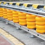 Le Roller Barrier System est constitué de rouleaux qui dissipent l'énergie au moment de l'impact d'un véhicule.