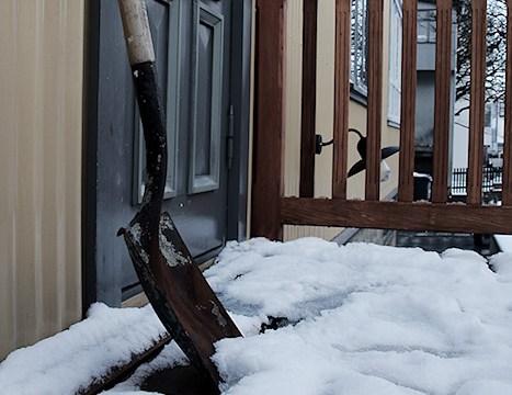 In emergency clear snow