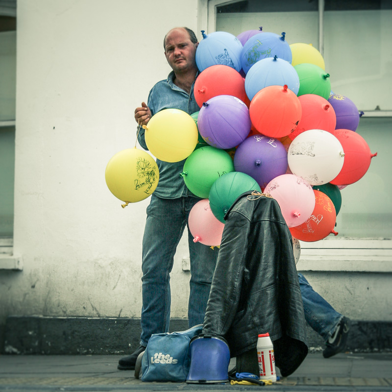 the-balloon-seller