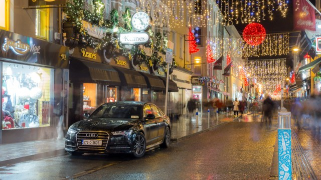 The Christmas Lights of Oliver Plunkett Street