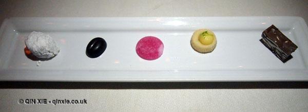Petit fours at Apsley's, The Lanesborough Hotel