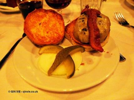 Bacon and cheeseburger, Young and Foodish's Burger Monday at Joe Allen
