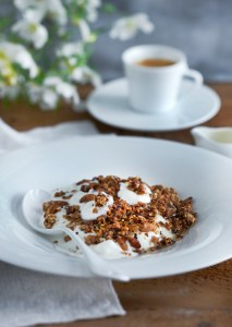 Roasted granola with coffee, Greek yoghurt, and honey