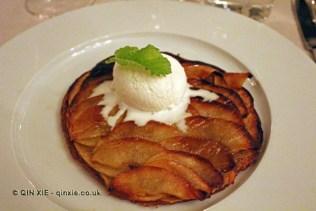 Apple tart tatin and ice cream, Vinum, Oporto