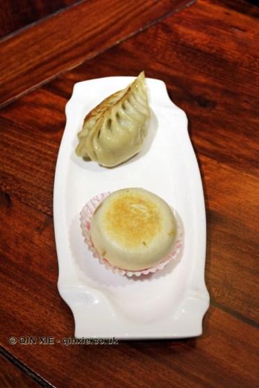Pan-fried dumpling and brown sugar cake, Kuan Alley No 3, Chengdu, China