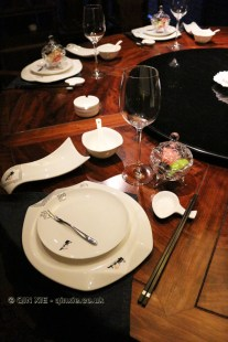 Table setting, Kuan Alley No 3, Chengdu, China