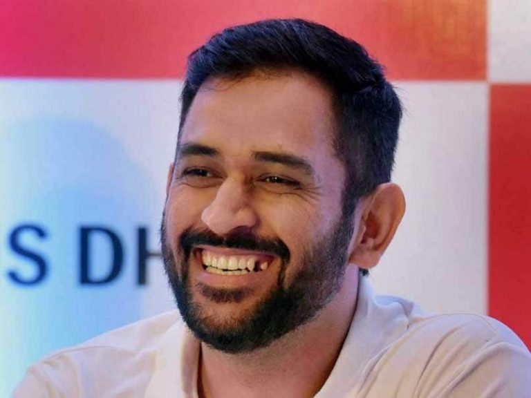 MS Dhoni sell tickets