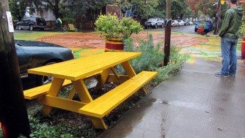 sunnyside-yellow-bench
