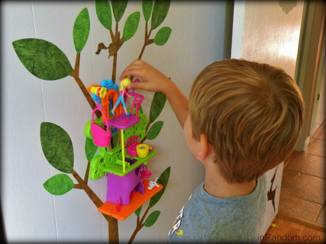 tot playing with treehouse