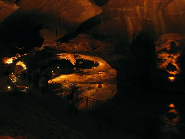 051017_Voyage_au_centre_de_la_Terre_aux_grottes_de_Lacave_10