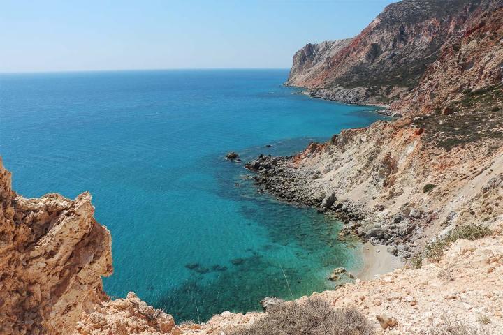 Milos, l'île qui t'en fait voir de toutes les couleurs