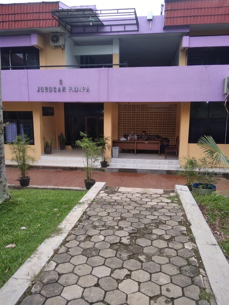 tampak depan gedung Jurusan Pendidikan MIPA-Biologi Unila
