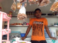 4. Firboaz Yoosuf, 23, an Indian, has been working as a street vendor in Male' for the past six months. While many foreigners are involved in this business, their tastes and delicacies are being accepted and adopted by the local Maldivians, including the Paan which has now been locally named as Molhu Bileiy Gandu.