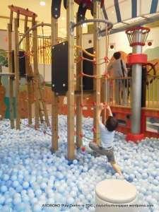 Climbing in ball pool
