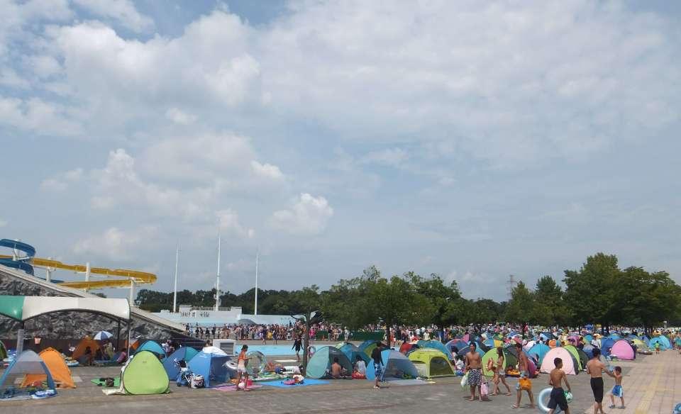 A sea of tents at Kawagoe Water Park
