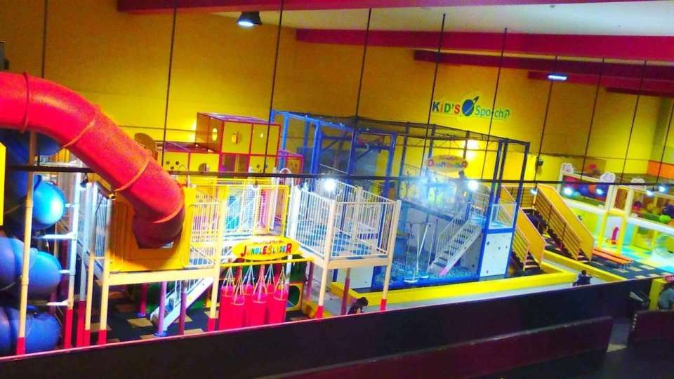 Family and kid play area【Spo-cha】in Round1 Stadium Ageo