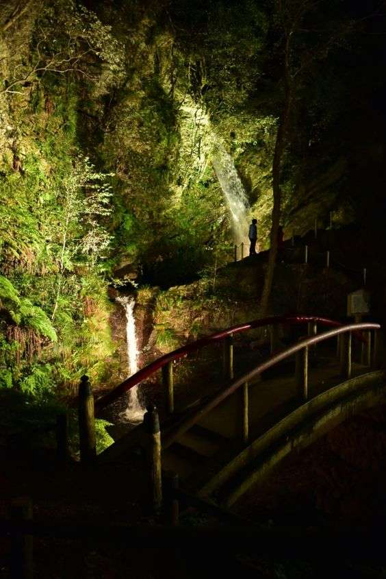 Kuroyama waterfalls light up