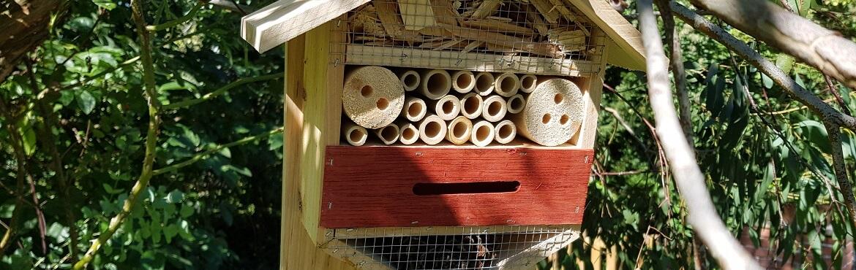 Insektenhotel Relaxdays sechseckige Nisthilfe