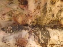 Ecoprinting: Rosenabdruck auf Seide