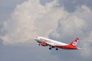 Avoid in-flight foods to increase travel food safety