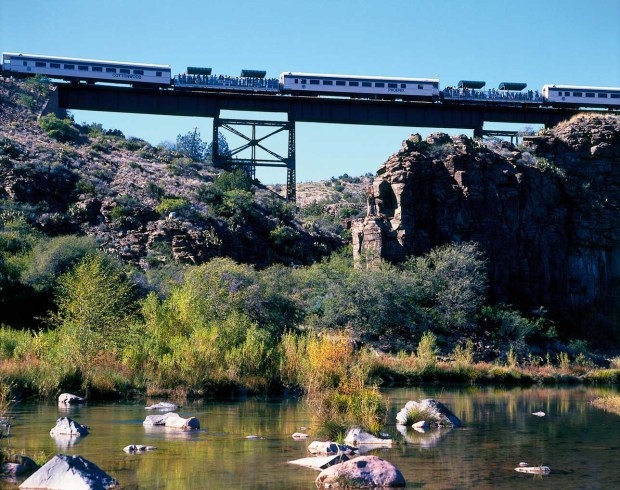 Tequila Tasting in der Verde Canyon Railroad. - Foto: Arizona Office of Tourism