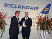 Birkir Hólm Gudnason, CEO Icelandair (rechts) und Derek Sharp, Travelport Senior VP & MD Air Commerce. - Foto: Icelandair