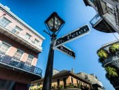Straßenkreuzung in New Orleans. - Foto: Zack Smith Photography