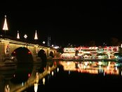 Festival of Lights an der London Bridge. - Foto: Lake Havasu CVB