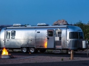 Glamping im Airstream-Wohnwagen. - Foto: Arizona Office of Tourism