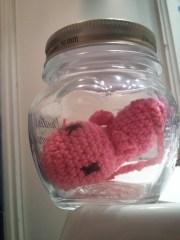 Amigurumi #2 : Un foetus dans un bocal (sans formol)