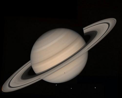 800px-Saturn_(planet)_large