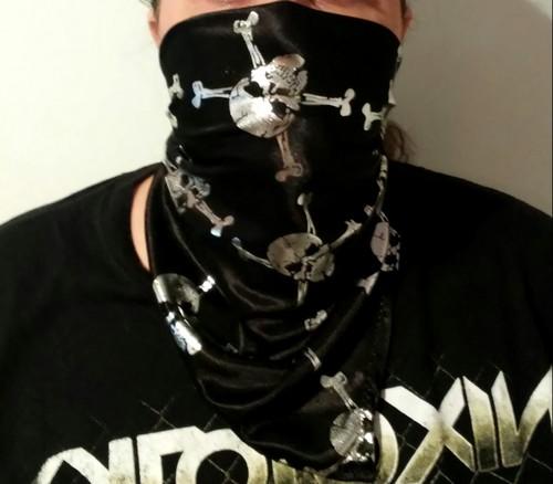 Tissu fabric bones and skulls Pirate bandana couture sewing