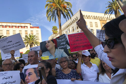 "Moroccan Journalist Convicted of ""Extramarital Sex"" and ""Illegal Abortion"" Pardoned by King"