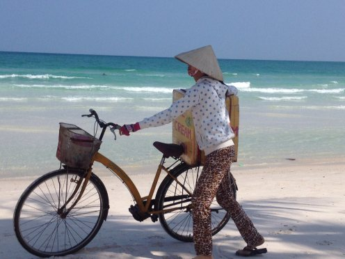 Cycle on the beach