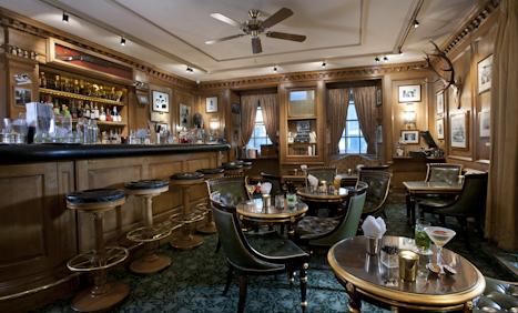 Hemingways Bars  Inside Bars