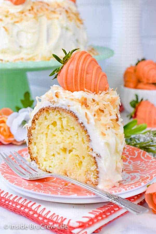 Coconut Cream Bundt Cake - this easy coconut cake has three times the coconut in it making it an incredible dessert for coconut lovers. Try this pretty cake for spring parties! #coconut #cake #bundtcake #cakemix #easter