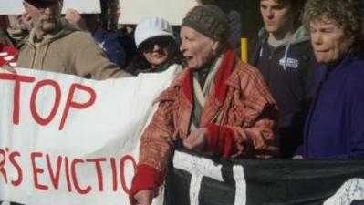 The unco-operative council: Vivienne Westwood, centre, with Kate Hoey MP, right, at a Lambeth United protest at Brixton Town Hall