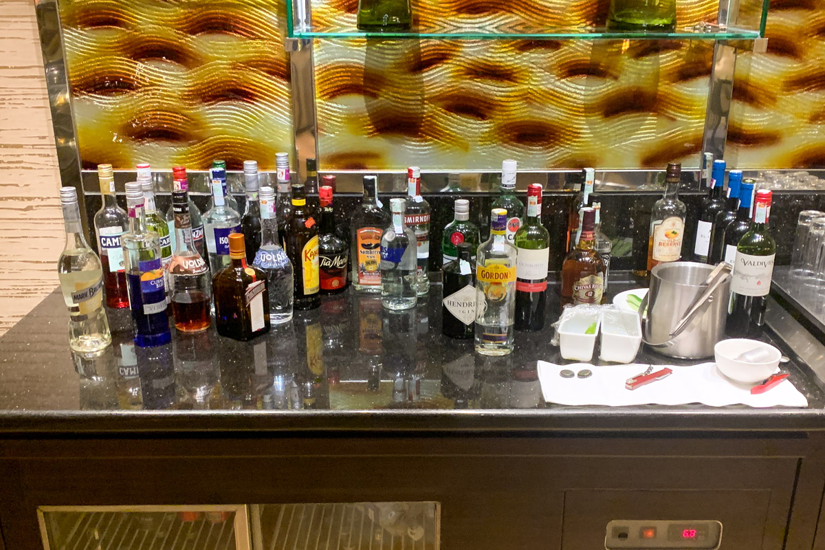 Executive lounge bar  at Cinnamon Grand Colombo